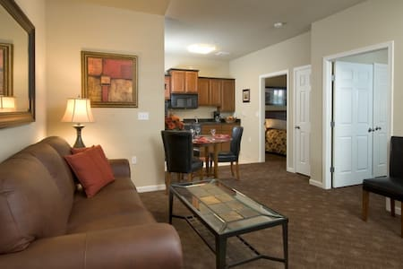 Mid-Luxury Extended Stay-2 Bedroom - Airway Heights
