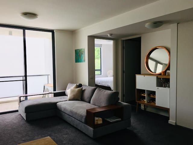 Self contained Apartment in the heart of Kingston