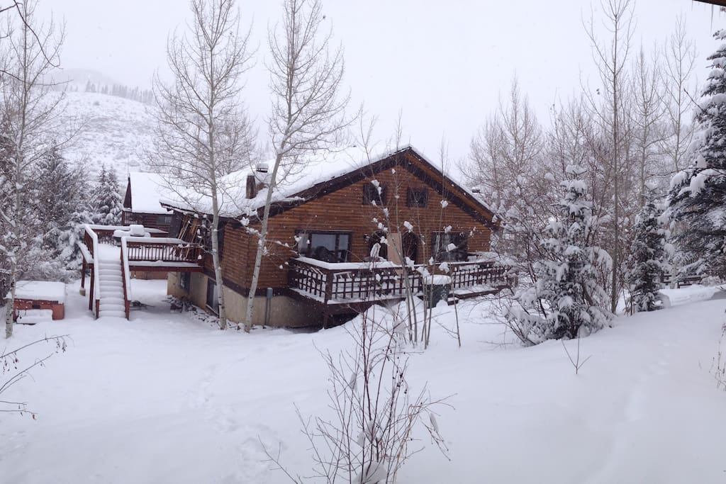 Its another powder day in Vail!!