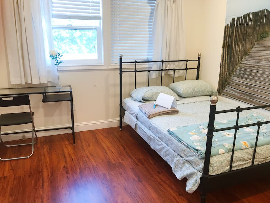 Private bedroom 1 - Full size bed