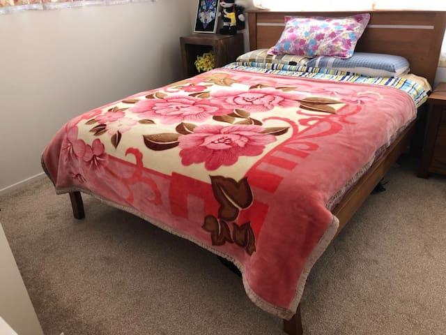 二层海景大床房 Spacious Queen Bed with sea view