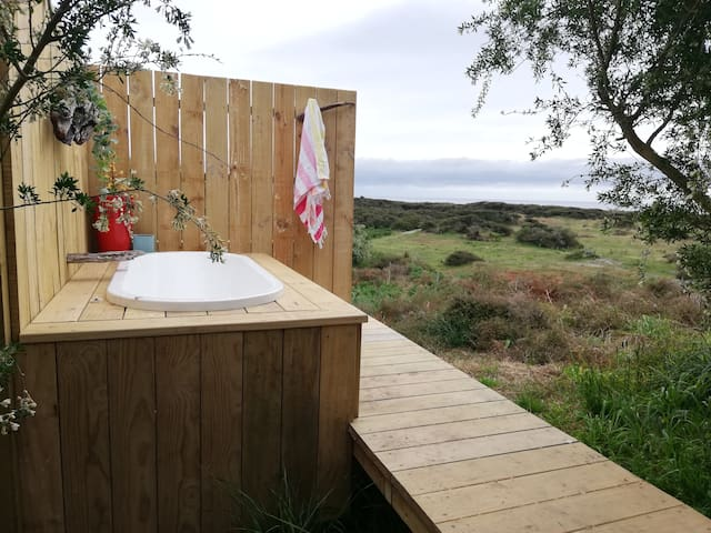 Camp Cabin - Ocean & Island views. Whakatane area.