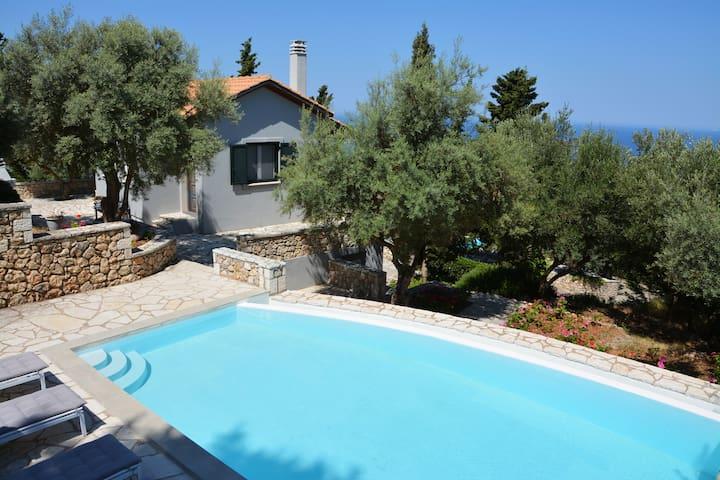 Idilli small private pool villa - Agios Nikitas