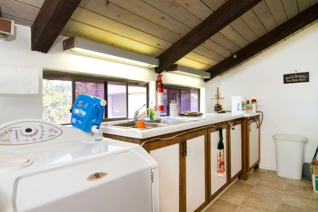 Shared kitchenette with washer & dryer, fridge, microwave, hotplate, coffee-maker & toaster oven.
