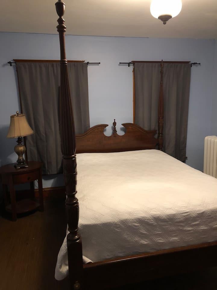 Santi's Room