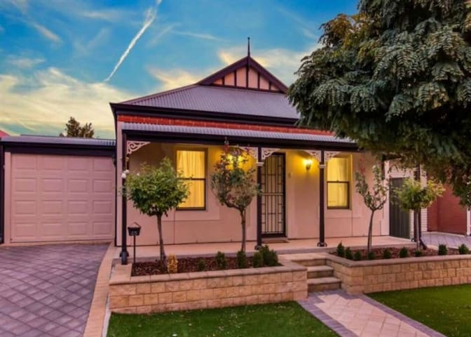 Mawson Lakes 2 bed cottage. - Mawson Lakes - Rumah