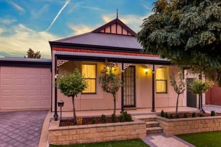 Mawson Lakes 2 bed cottage. - Mawson Lakes - Haus