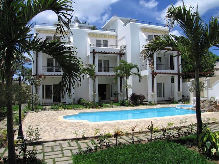Apartment Opposite The Sea