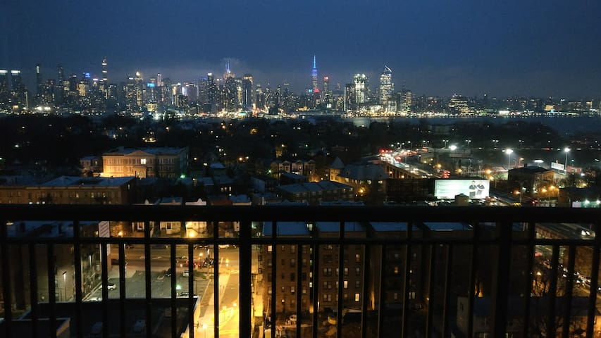 Modern apart in Union City - minutes away from NYC