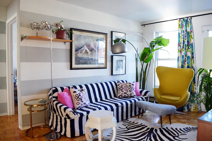Eclectic Bright 2 Bedroom Apartment - Montreal - Departamento