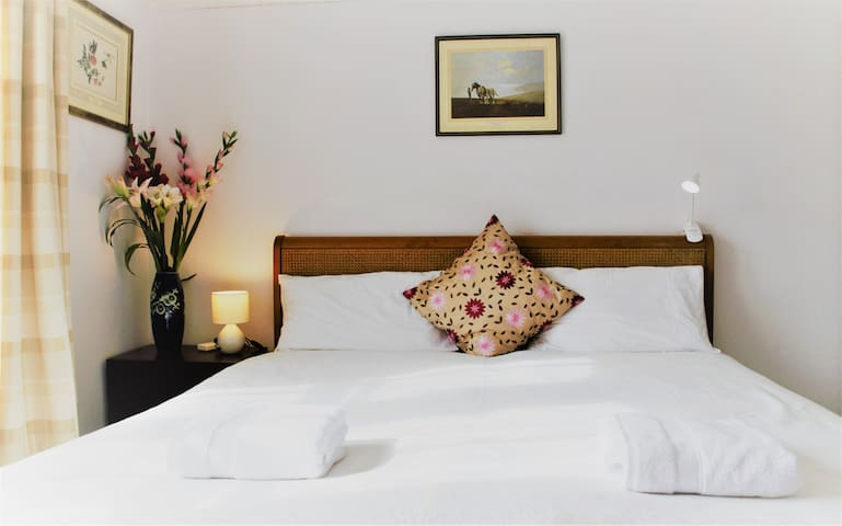 The Marina Double Room Bed & Breafast