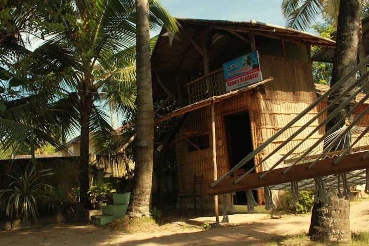 Ellara beach home stay
