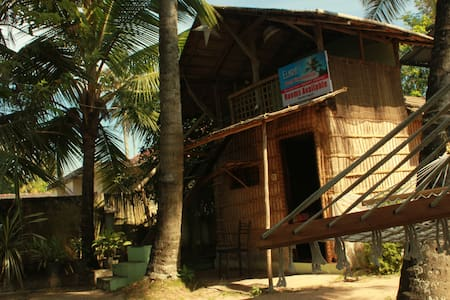 Ellara beach home stay