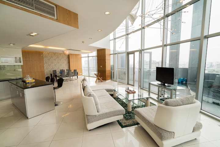 Sale OFF SPACIOUS PENTHOUSE 4BRS IN DISTRICT 1