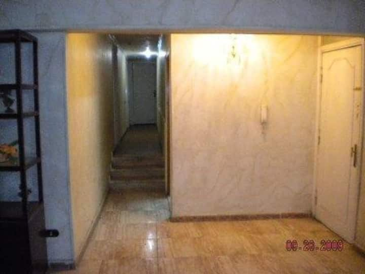 Dlx 4 Bed Apt. in Cairo