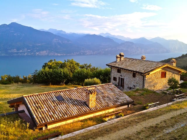 Country house of 17th C., astonished view of Lake - San Zeno di Montagna