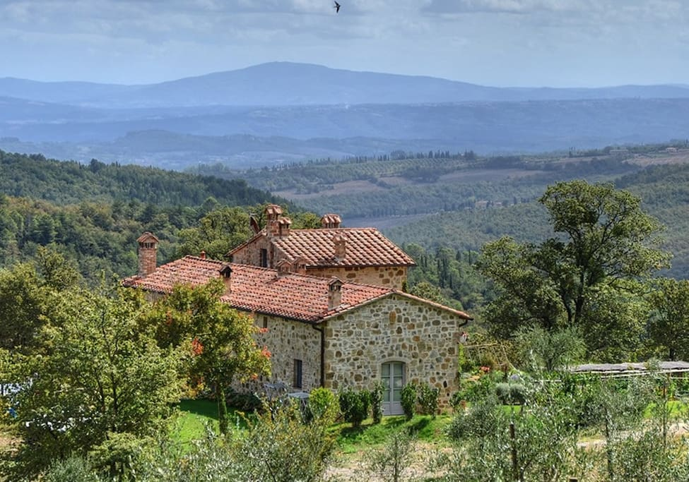 La casa è inserita in uno splendido paesaggio