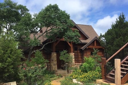 Scenic Luxury Home-  Hollows Resort at Lake Travis