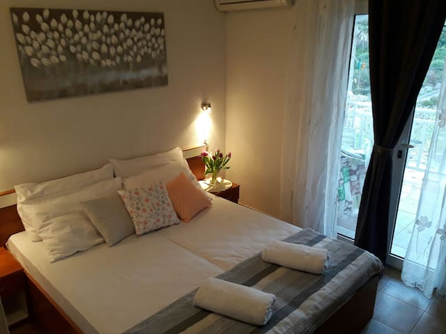 Apartment Sunce2-cozy apartment with charming view - Doli
