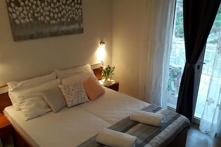 Apartment Sunce2-cozy apartment with charming view - Doli - Apartemen