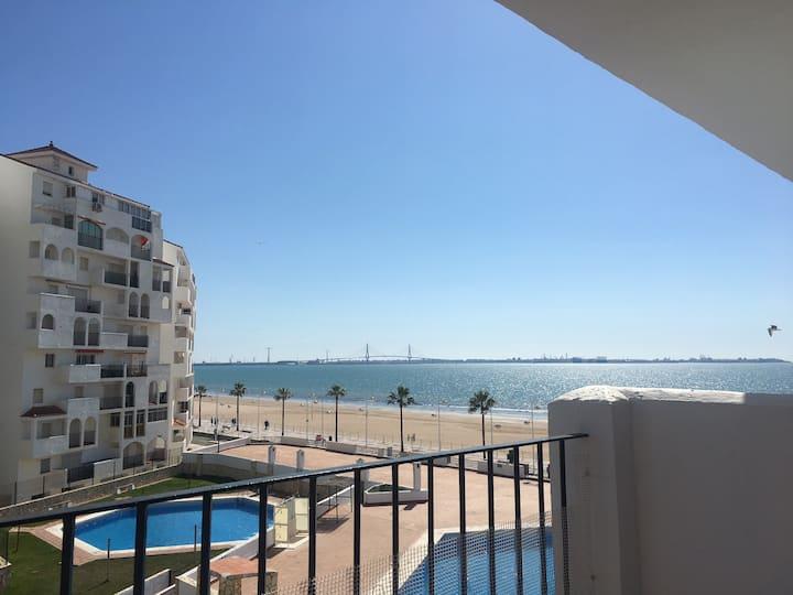 Apartamento Primera línea de playa en Valdelagrana