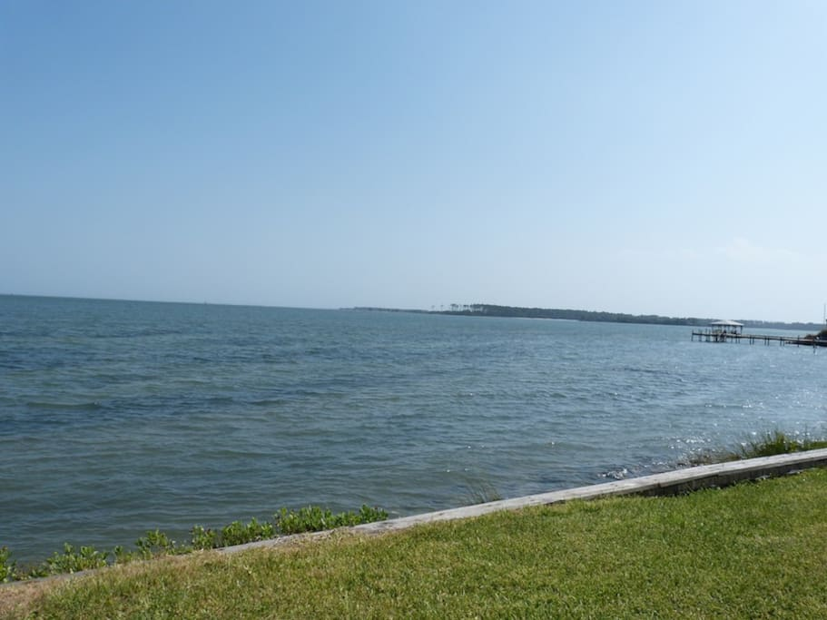 The 100 feet of waterfront provides unobstructed views of Core Banks, Cape Lookout Lighthouse, Harker's Island, and Brown's Island