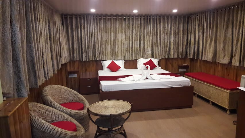 Suite With a Private Terrace and Shillong View - Shillong