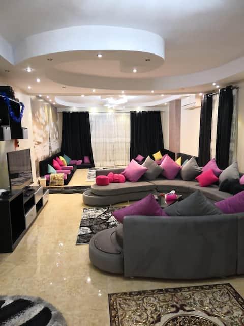 Huge and clean apartment in King Faisal Road