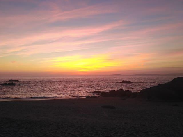 Casita próxima a Playa Areas de Bon y Lagos - Bueu - Rumah