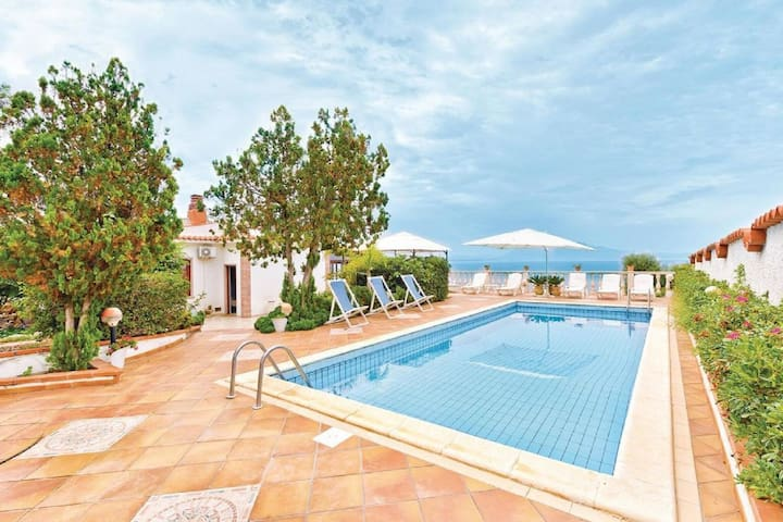 Enticing Villa in Terrasini Near the Sea