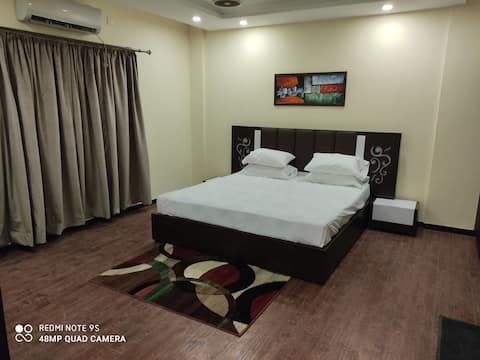 1 Bed Hall Luxury apartment with peace