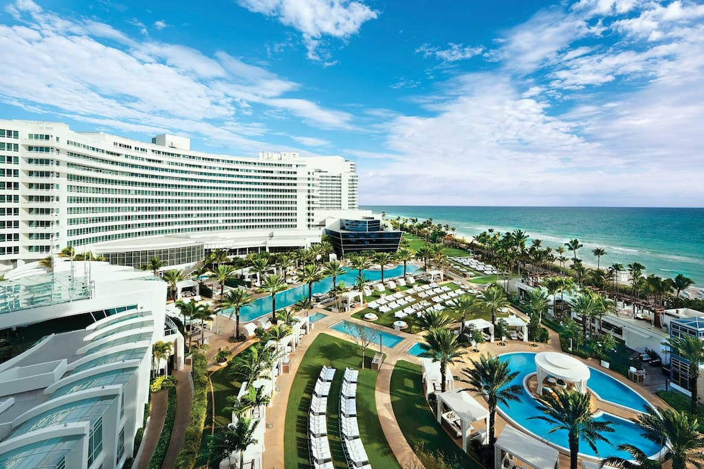 Two bedroom suite fontainebleau miami beach serviced apartments for rent in miami beach for Two bedroom suites in miami beach