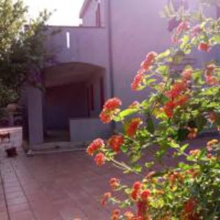 Villa Santa Margherita trilocale con giardino