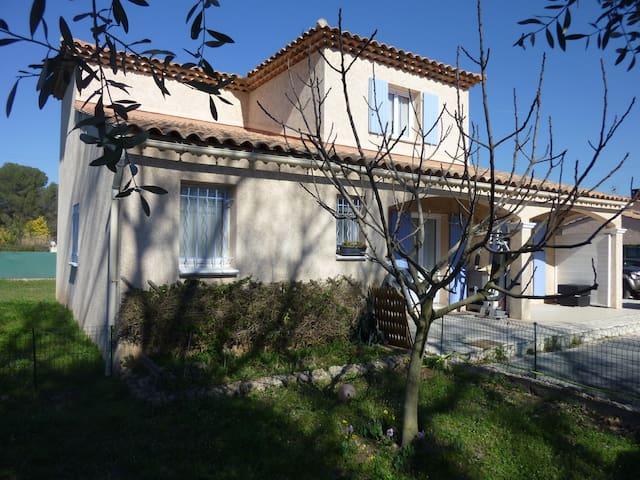 Belle villa du sud de la France, calme assuré. - Puget-sur-Argens
