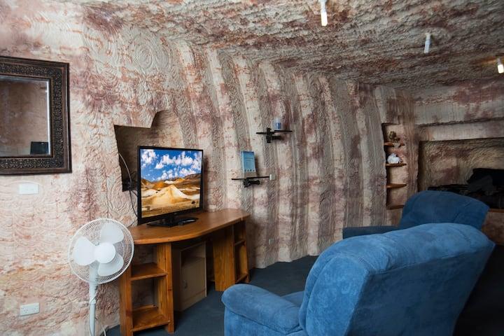 Ali's Underground - Stunning Self Contained Studio