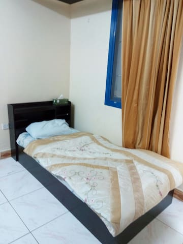 Private room with attached bath - Ajman - Villa