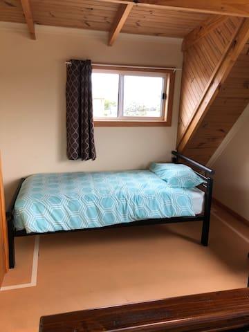Single bed in bedroom 2