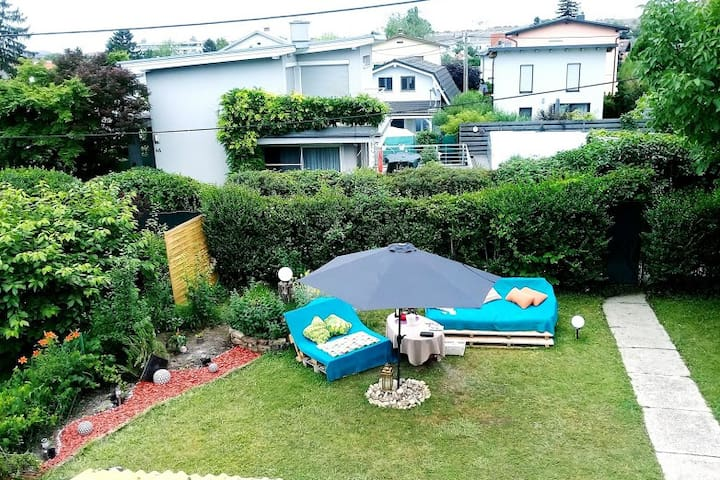 Privatzimmer im Haus mit Garten