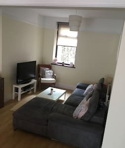 Large double room close to town centre