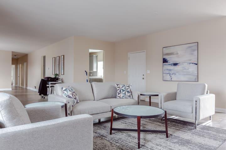 Brand New 3-Bedroom Luxury Apartment w/ 2 Baths!