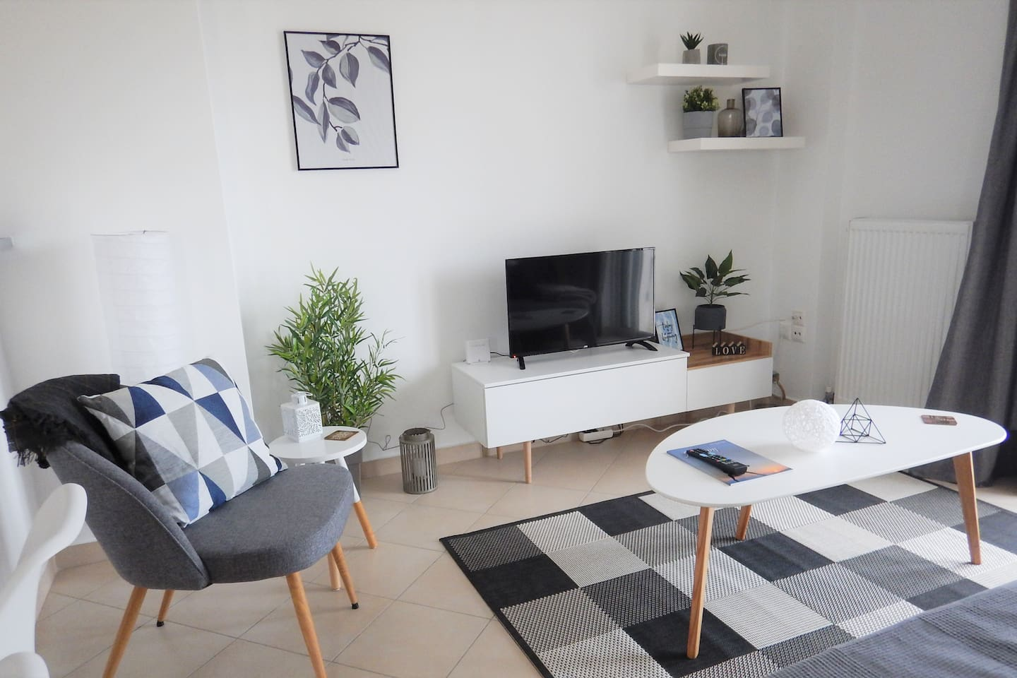 A modern, eco-friendly 62 sqm apartment near the sea and main town of Nea Makri. Enjoy our amenities and modern decor for a relaxed vacation!