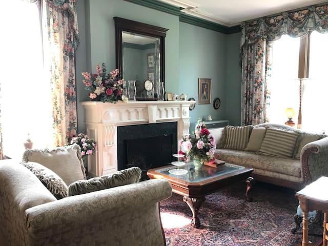 Cushing Manor room 4- 2 miles from ND stadium