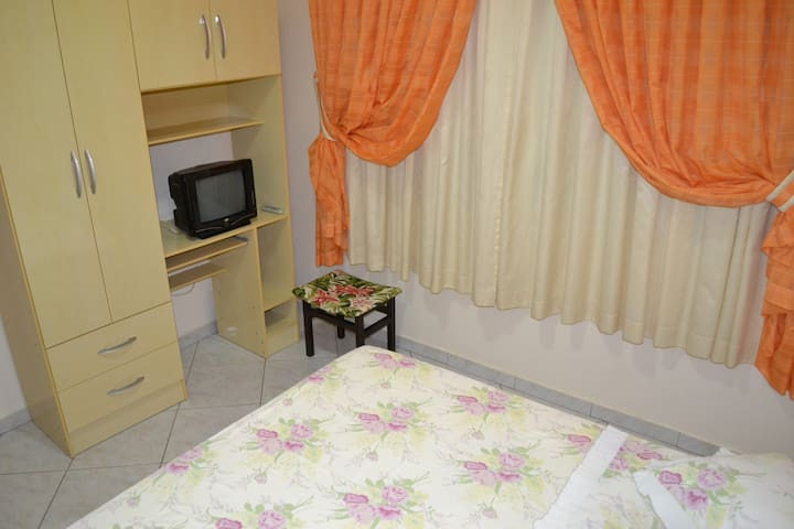Cozy Private double room/Super Hosts - Foz do Iguaçu - Haus