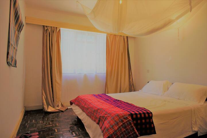 Yaya Private Queen Bed Spacious House Prime Area