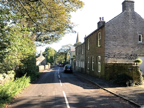 Beautiful self-contained apartment near Holmfirth