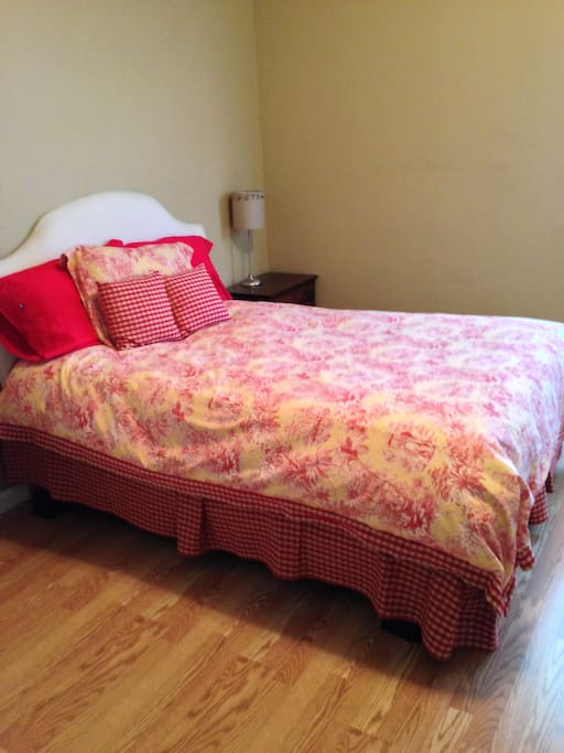 Guest bedroom, with full size bed and Master bedroom with King size bed. Both bedrooms have a tv