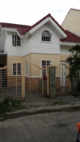 Cozy & affordable house  Bellazona, Molino, Cavite - Bacoor - Huis