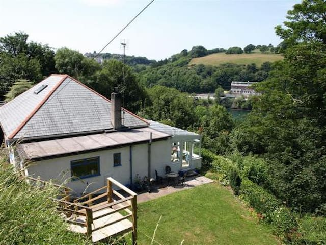 Jordan Cottage in Cornwall is  outstanding value.