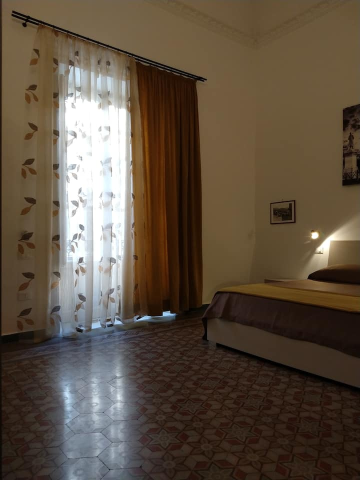 Palermo center Triple room with private bathroom