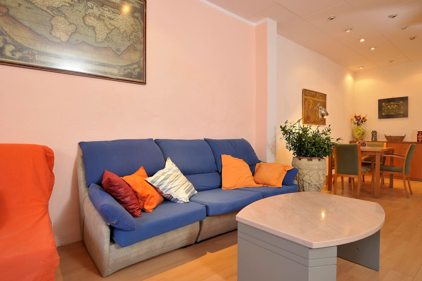 APARTMENT IN MONTJUIC , THE GREEN HEART OF BARCELONA. .